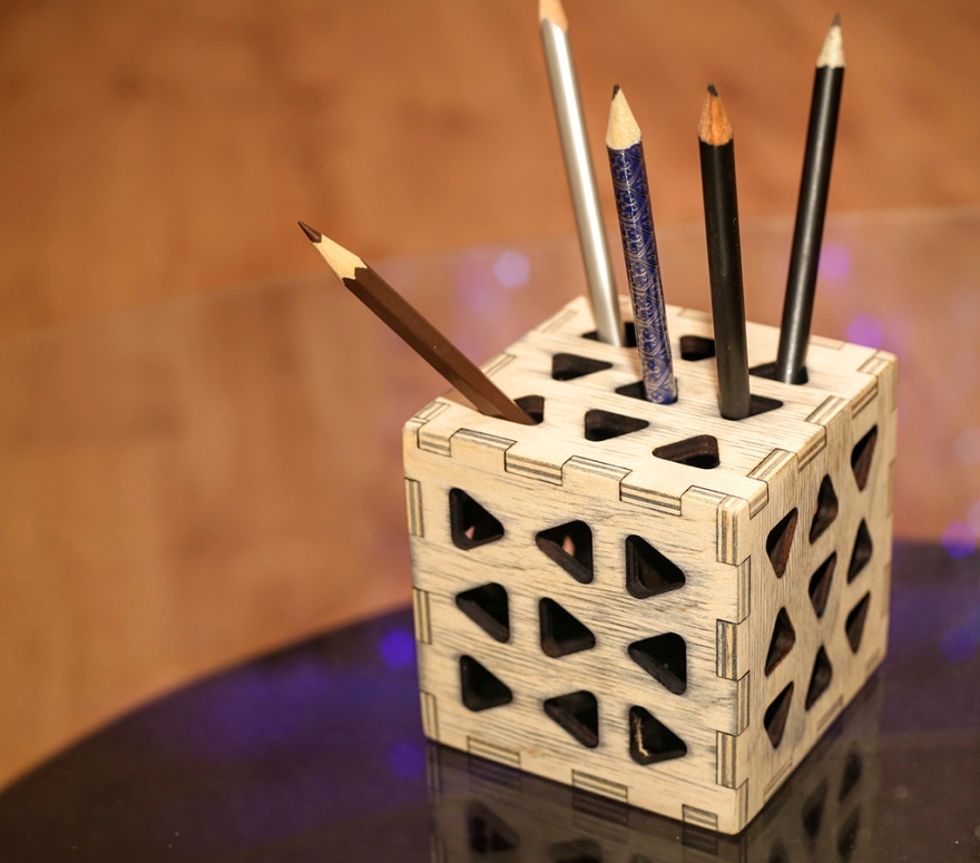 Another pen holder